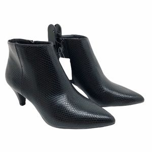 (SH-134) Time and Tru BootS Heel Black Size 7.5
